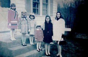 Carolyn Perron y sus hijas