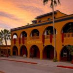 Hotel California Historia de Eventos Paranormales y Satanismo