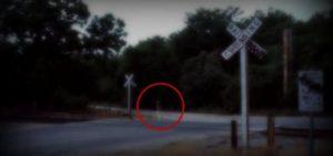 Los-niños-fantasmas-de-las-vías-del-tren-San-Antonio-Texas-fotografía-real