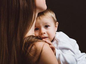 4 señales de que tu bebé puede ver espíritus