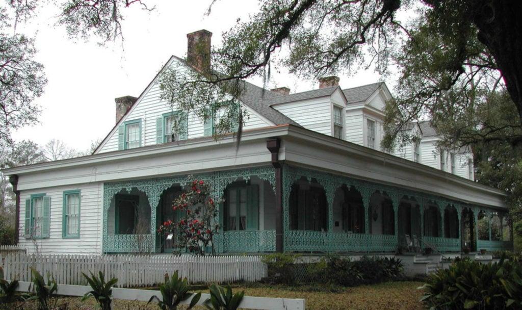 """La casa embrujada donde puedes hospedarte: """"La hacienda Myrtles"""""""