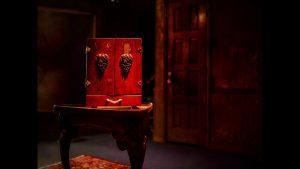 La leyenda de la caja maldita: La caja dybukk
