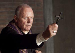 Los principales objetos y elementos para un exorcismo católico