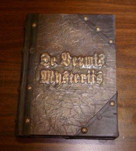 Otros 3 terribles libros como el necronomicon