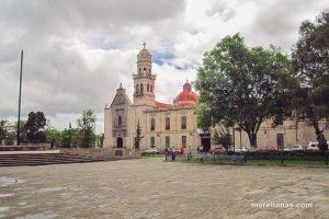 La niña del panteón - Leyenda de Michoacán