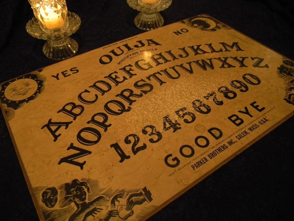 Kendall y Kylie Jenner sufren manifestaciones paranormales después de jugar Ouija