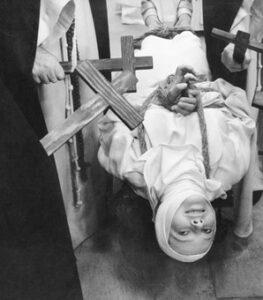 Monjas De Loudun Película Exorcismos